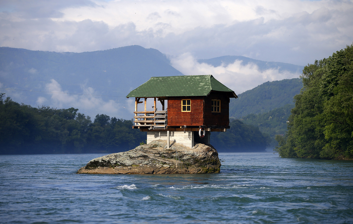 Foto diambil dari: http://www.theatlantic.com/photo/2015/06/unusual-homes-around-the-world/395432/