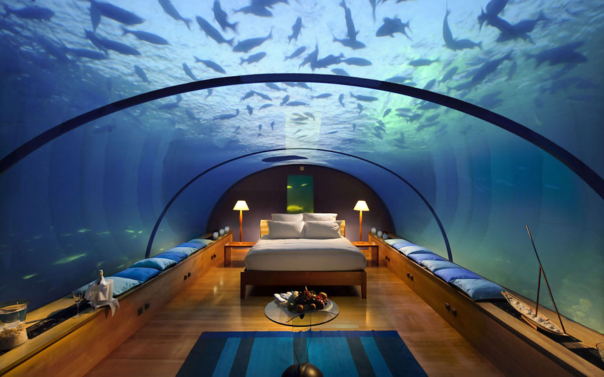 Foto diambil dari: http://raredelights.com/10-outstanding-hotels-world/poseidon-undersea-resort-fiji/