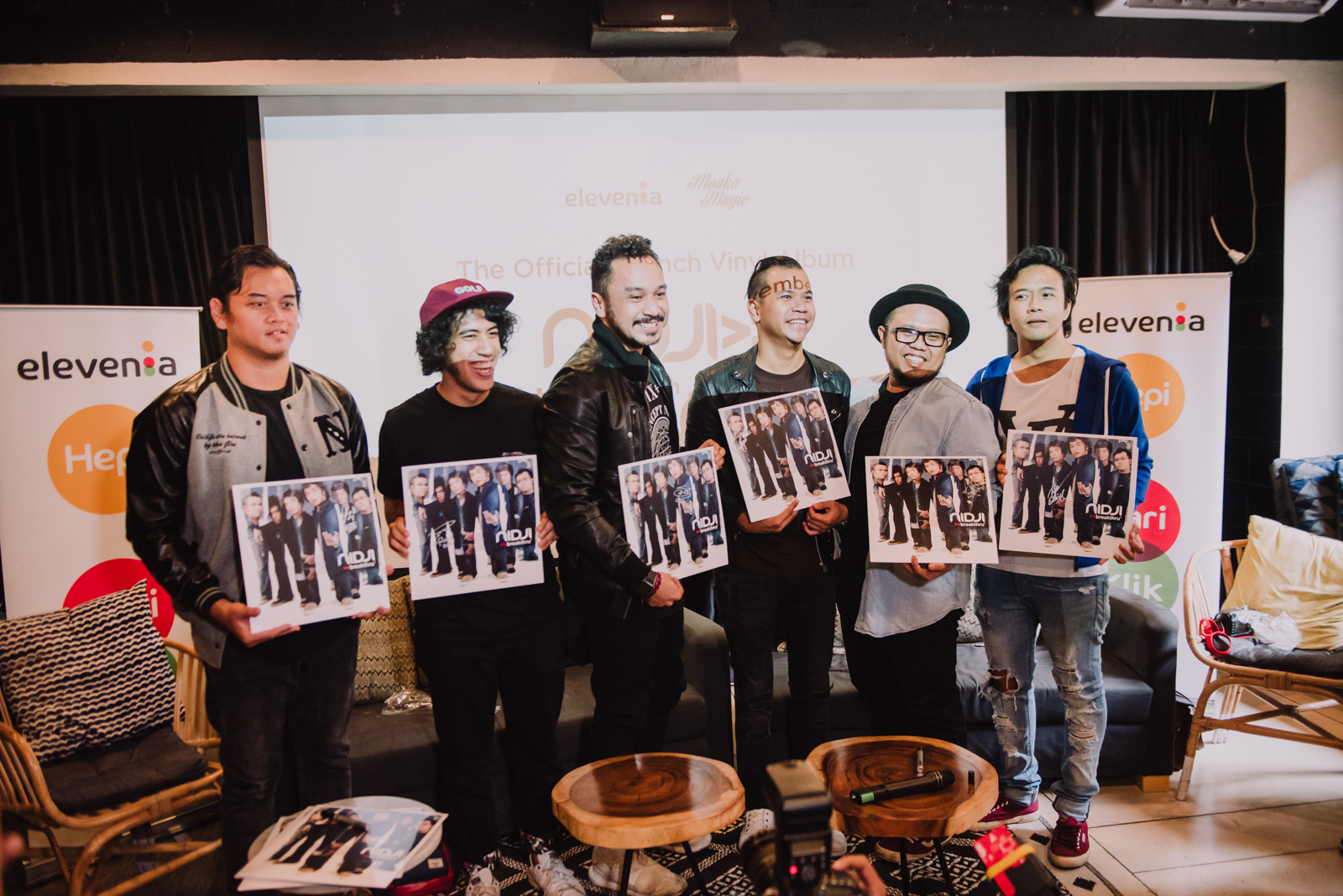 Nidji produly presents you their Breakthru album on vinyl.